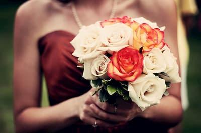 Menyasszonyi csokor, virágdekor