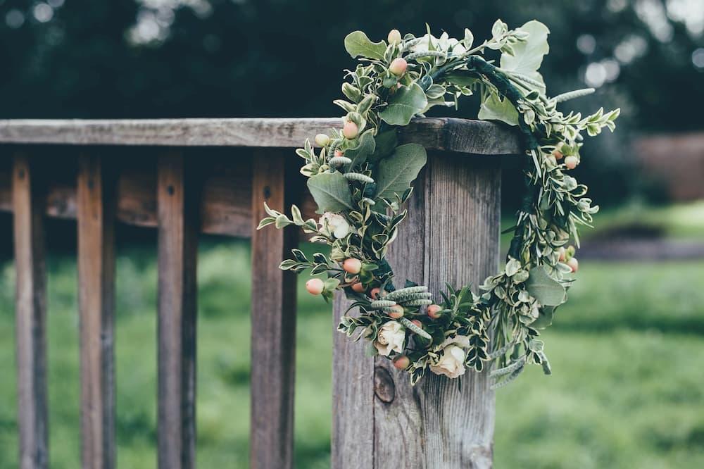 esküvői dekor greenery kiegészítő