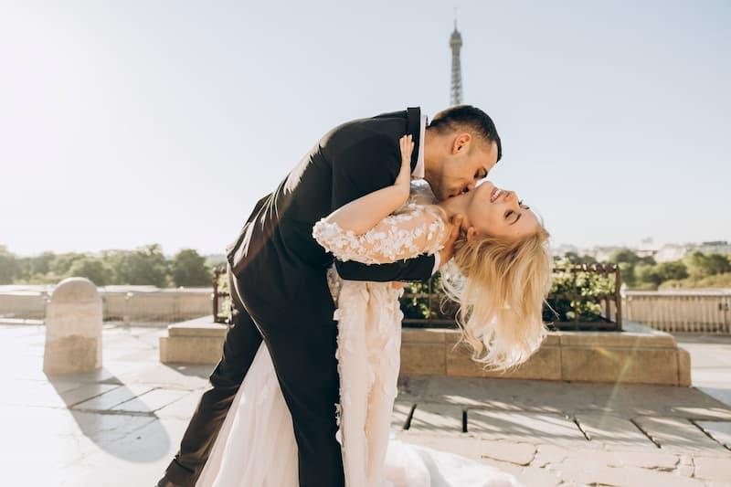 párizsi esküvő