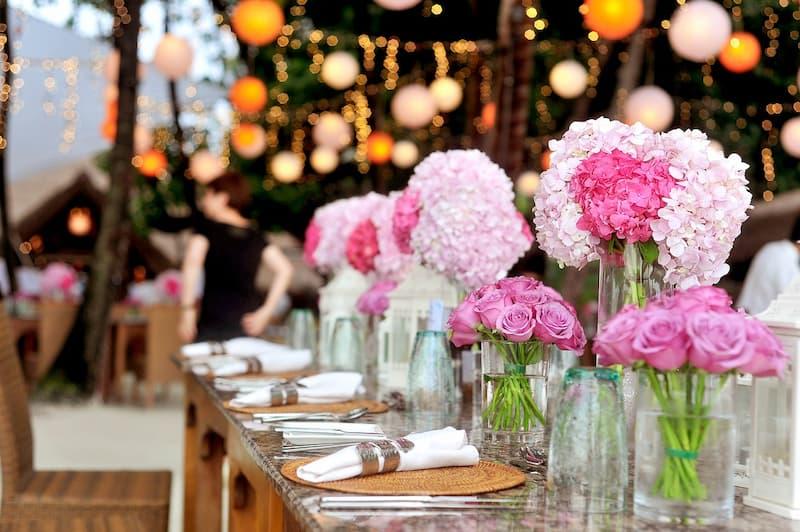 romantikus esküvői asztaldísz