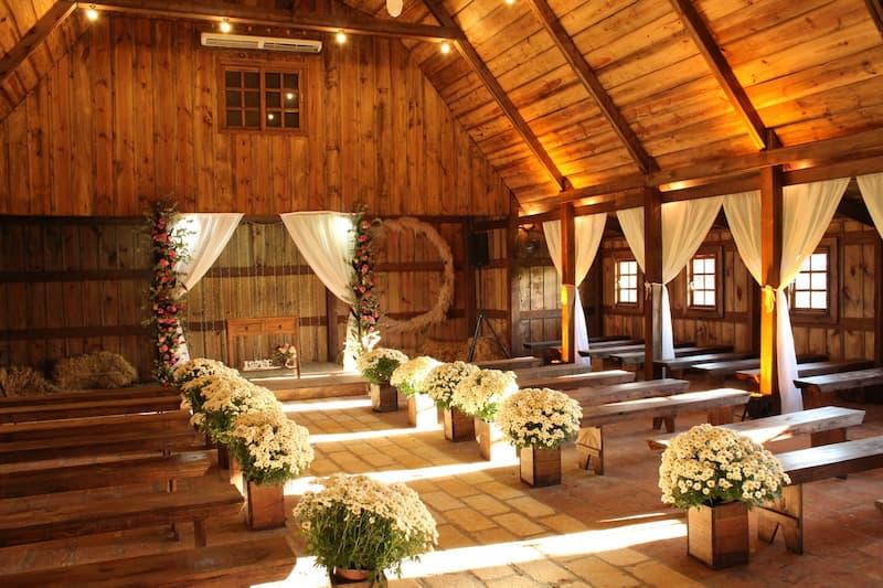 rusztikus esküvő