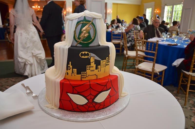 marvel dc szuperhősös esküvő