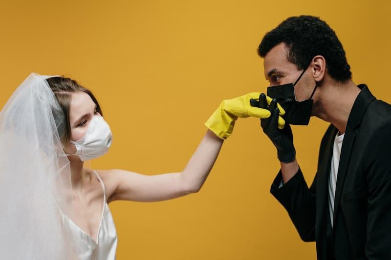 esküvő a koronavírus alatt